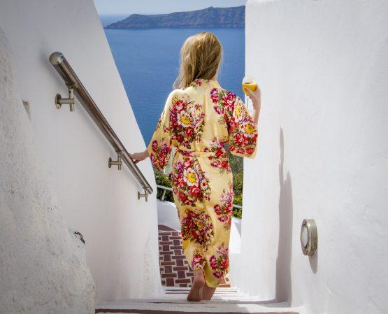 Productafbeelding Kimono satijn Gold & Flowers staand
