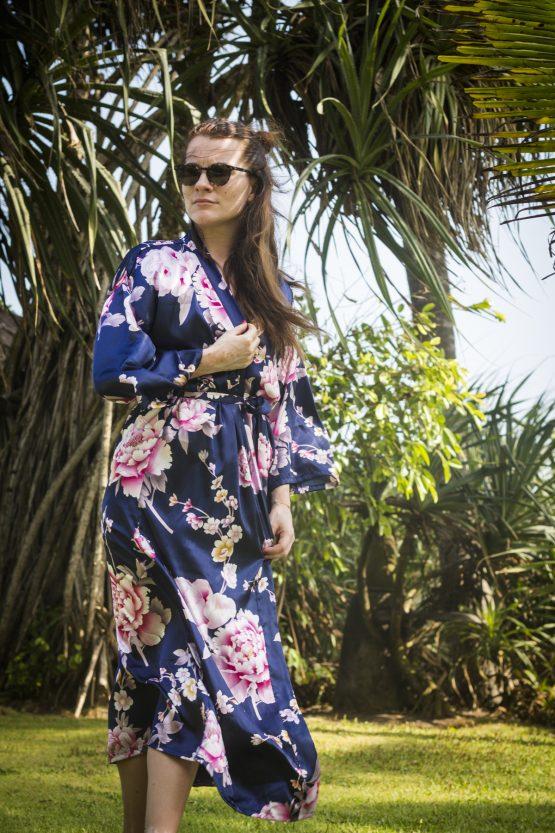 productafbeelding kimono satijn blue peony rose
