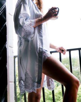 Kimono soft satijn lace & chill ice blue