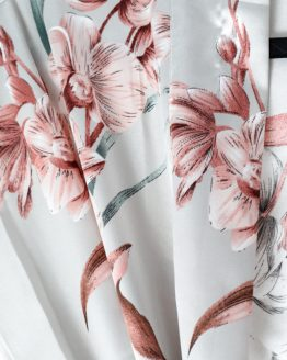 Pyjama set satijn Luxury flower Close up