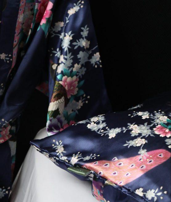 Satijnen kussensloop morning Glory met bijpassende kimono